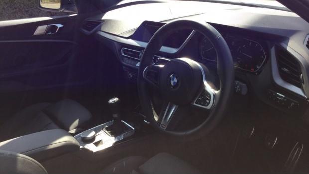 2021 BMW 118i M Sport (White) - Image: 6