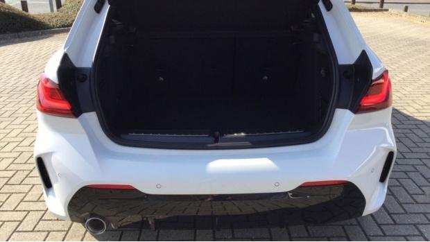 2021 BMW 118i M Sport (White) - Image: 13