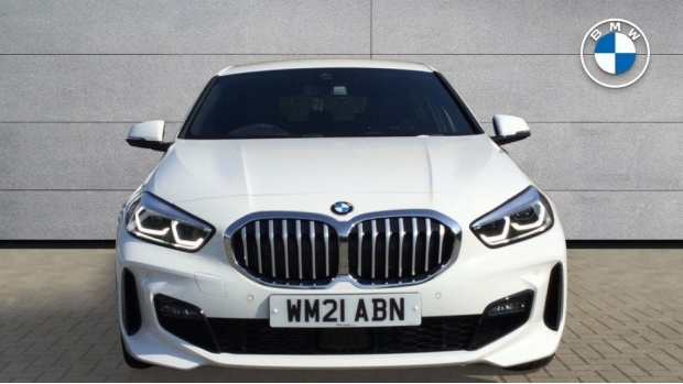 2021 BMW 118i M Sport (White) - Image: 16