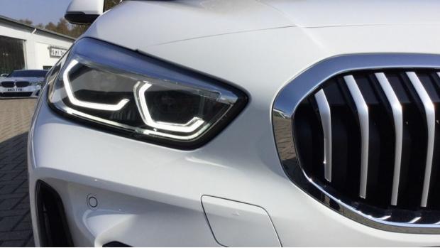 2021 BMW 118i M Sport (White) - Image: 27