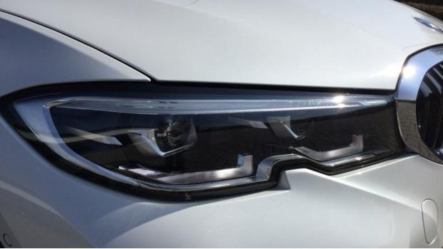 2021 BMW 320d M Sport Saloon (White) - Image: 23