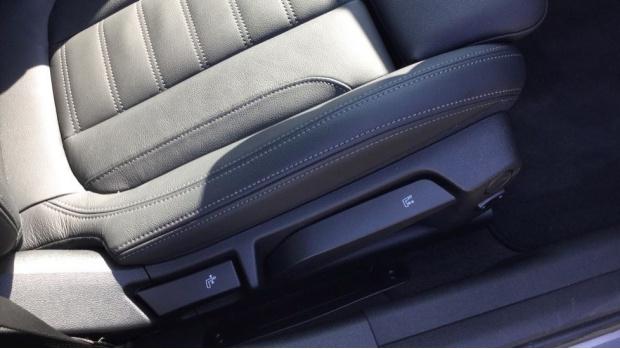 2021 BMW 320d M Sport Saloon (White) - Image: 32