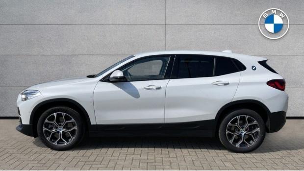 2021 BMW SDrive20i Sport (White) - Image: 3