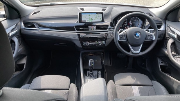 2021 BMW SDrive20i Sport (White) - Image: 4