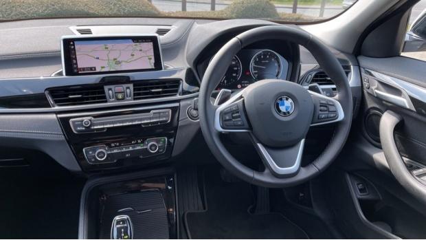 2021 BMW SDrive20i Sport (White) - Image: 5