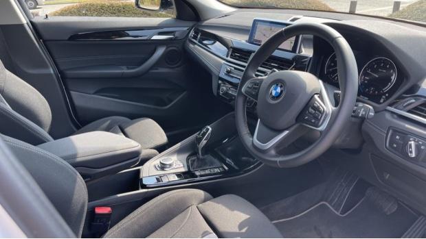 2021 BMW SDrive20i Sport (White) - Image: 6