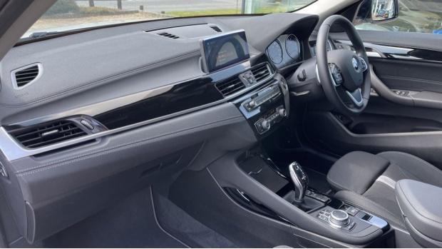 2021 BMW SDrive20i Sport (White) - Image: 7