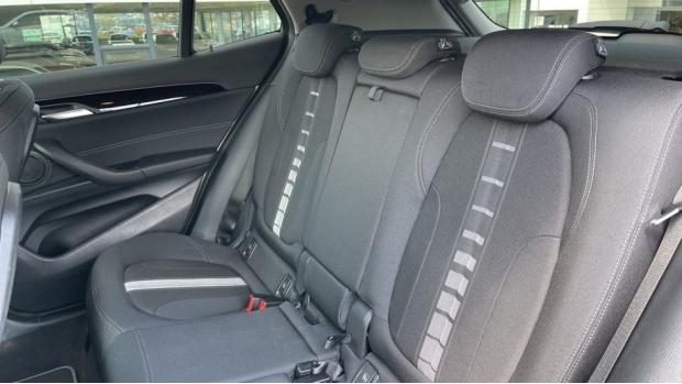 2021 BMW SDrive20i Sport (White) - Image: 12