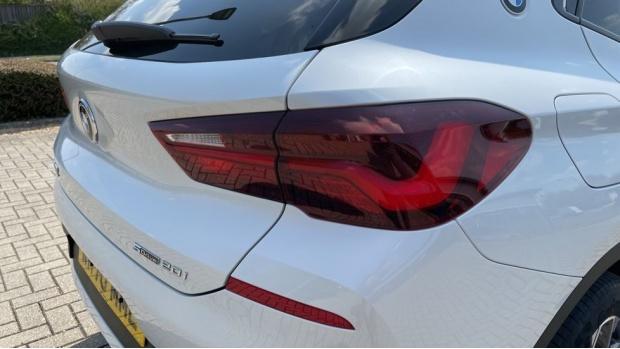 2021 BMW SDrive20i Sport (White) - Image: 22