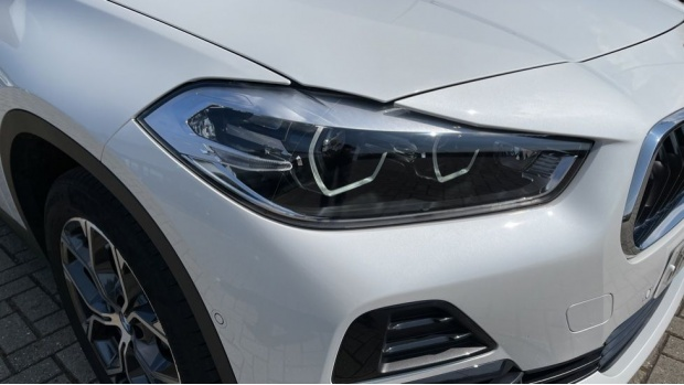 2021 BMW SDrive20i Sport (White) - Image: 23