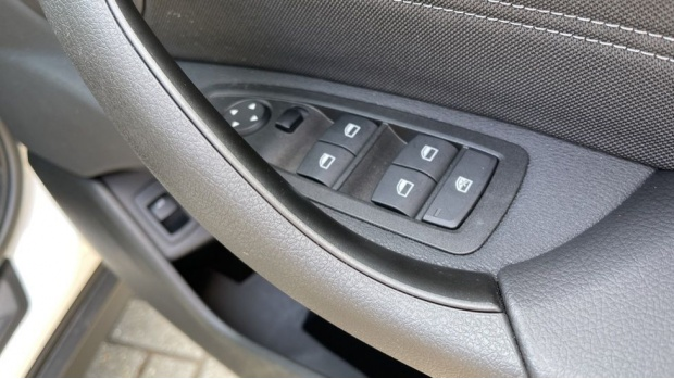 2021 BMW SDrive20i Sport (White) - Image: 24
