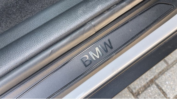 2021 BMW SDrive20i Sport (White) - Image: 25