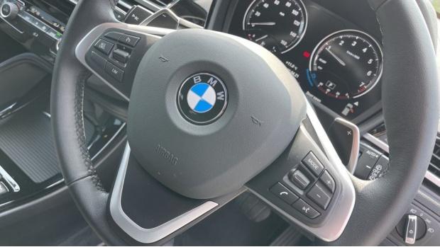 2021 BMW SDrive20i Sport (White) - Image: 30