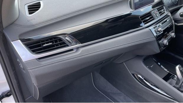 2021 BMW SDrive20i Sport (White) - Image: 34