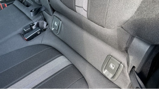 2021 BMW SDrive20i Sport (White) - Image: 39