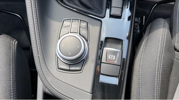 2021 BMW SDrive20i Sport (White) - Image: 40