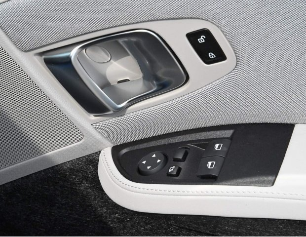 2021 BMW 42.2kWh Auto 5-door (White) - Image: 24