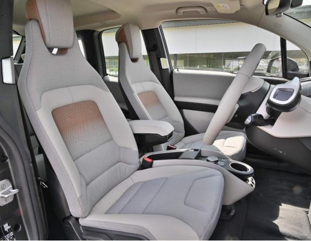 2021 BMW 42.2kWh Auto 5-door (White) - Image: 26