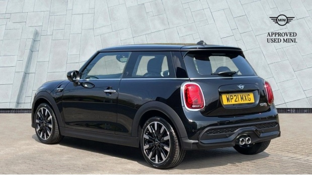 2021 MINI 3-door Cooper S Exclusive (Black) - Image: 2