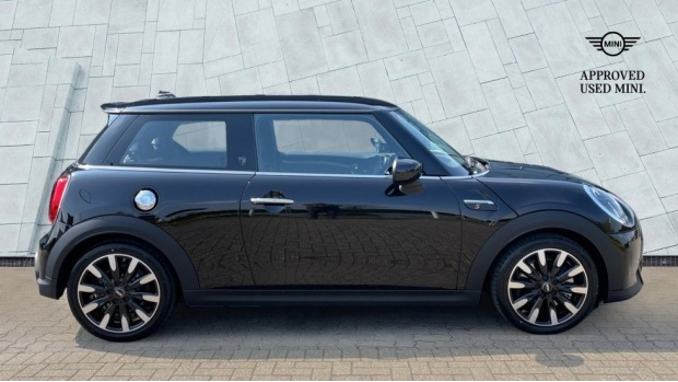 2021 MINI 3-door Cooper S Exclusive (Black) - Image: 3