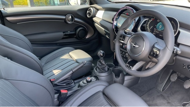 2021 MINI 3-door Cooper S Exclusive (Black) - Image: 6