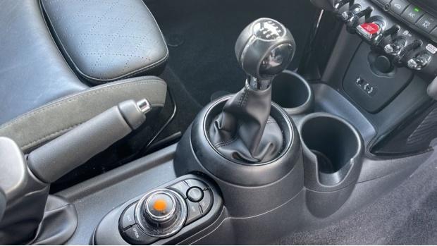 2018 MINI Cooper S 3-door Hatch (Blue) - Image: 10