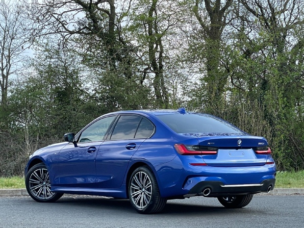 2021 BMW 320i M Sport Auto xDrive 4-door (Blue) - Image: 2