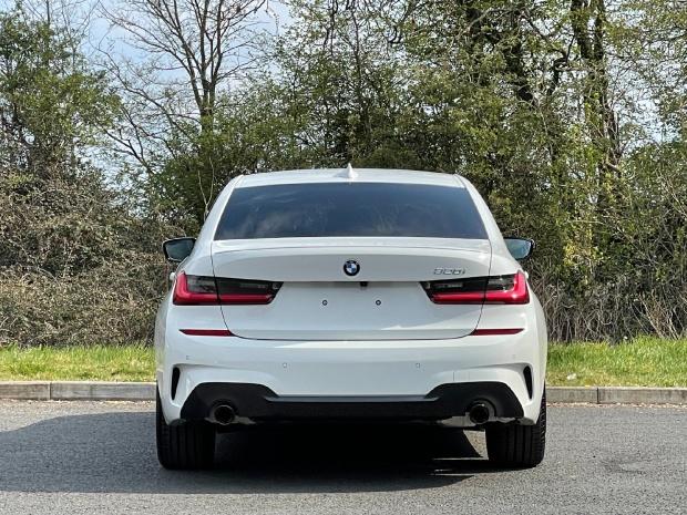 2021 BMW 320i M Sport Auto 4-door (White) - Image: 15