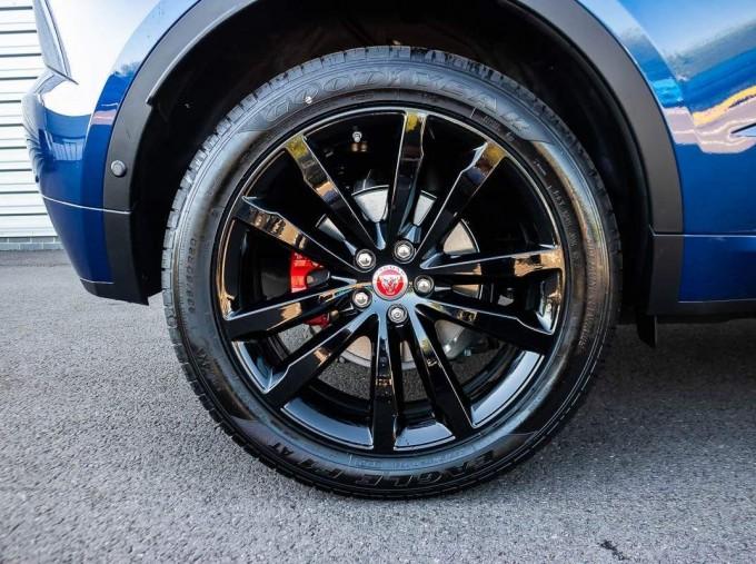 2021 Jaguar D200 MHEV R-Dynamic SE Auto 5-door  - Image: 8