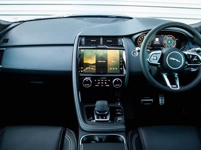 2021 Jaguar D200 MHEV R-Dynamic SE Auto 5-door  - Image: 9