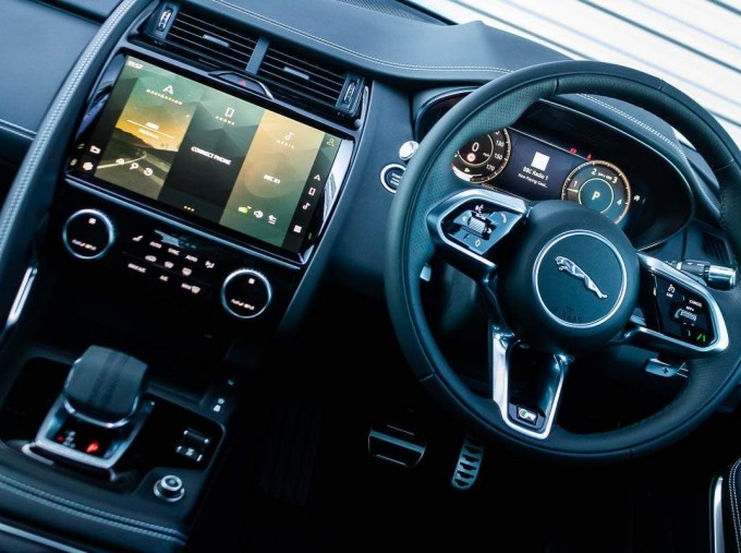 2021 Jaguar D200 MHEV R-Dynamic SE Auto 5-door  - Image: 10