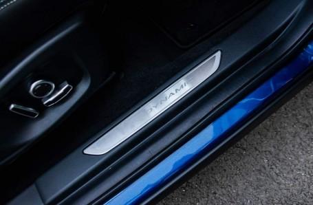 2021 Jaguar D200 MHEV R-Dynamic SE Auto 5-door  - Image: 15