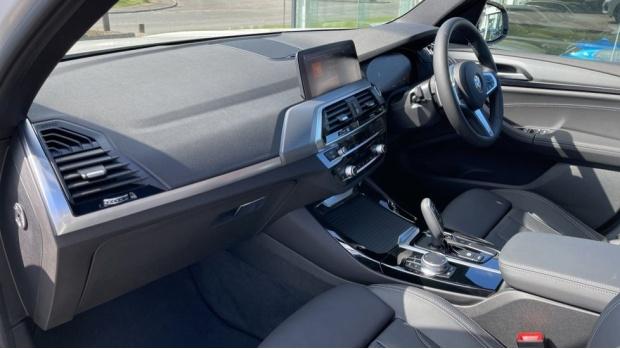2021 BMW XDrive20d M Sport (White) - Image: 7