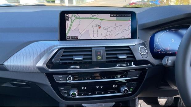 2021 BMW XDrive20d M Sport (White) - Image: 8