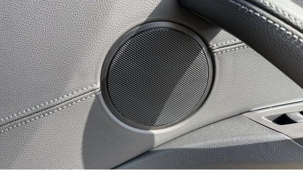 2021 BMW XDrive20d M Sport (White) - Image: 20