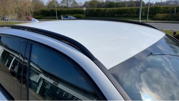 2021 BMW XDrive20d M Sport (White) - Image: 21
