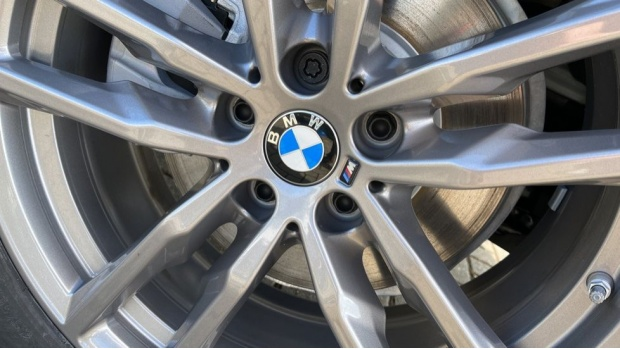 2021 BMW XDrive20d M Sport (White) - Image: 28