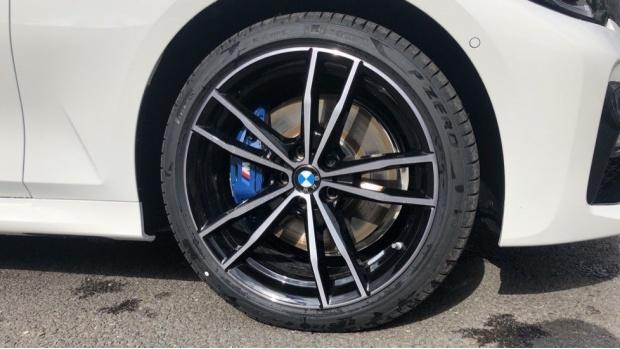 2021 BMW 330e M Sport Saloon (White) - Image: 14