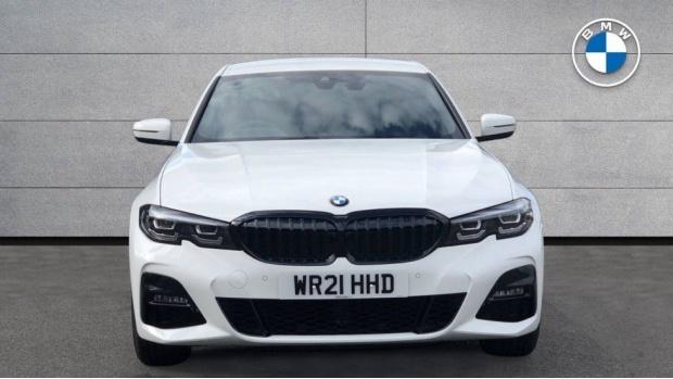 2021 BMW 330e M Sport Saloon (White) - Image: 16