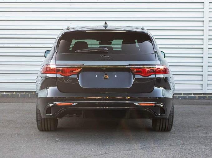 2021 Jaguar MHEV R-Dynamic SE Sportbrake Auto 5-door (Black) - Image: 6