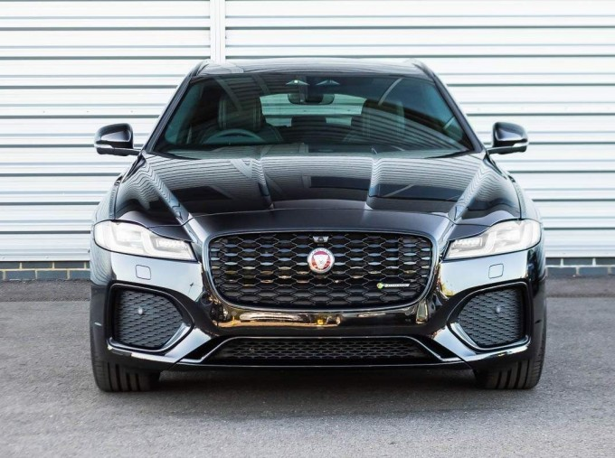 2021 Jaguar MHEV R-Dynamic SE Sportbrake Auto 5-door (Black) - Image: 7