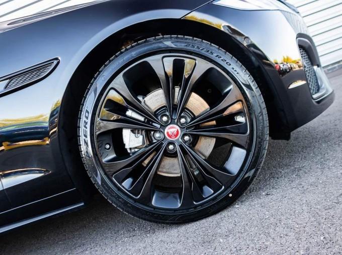 2021 Jaguar MHEV R-Dynamic SE Sportbrake Auto 5-door (Black) - Image: 8