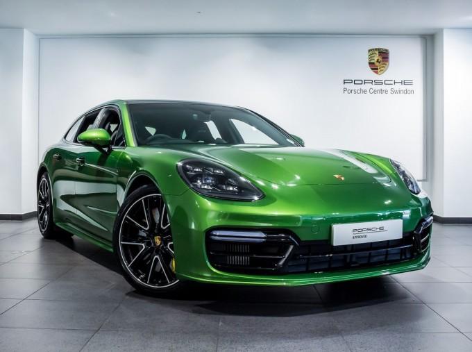 2018 Porsche V8 GTS Sport Turismo PDK 4WD 5-door (Green) - Image: 1
