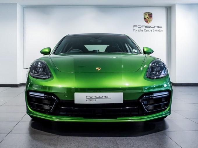2018 Porsche V8 GTS Sport Turismo PDK 4WD 5-door (Green) - Image: 6