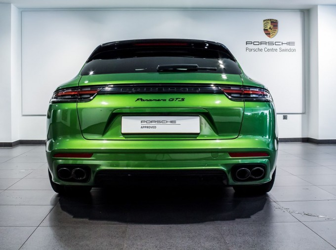 2018 Porsche V8 GTS Sport Turismo PDK 4WD 5-door (Green) - Image: 7