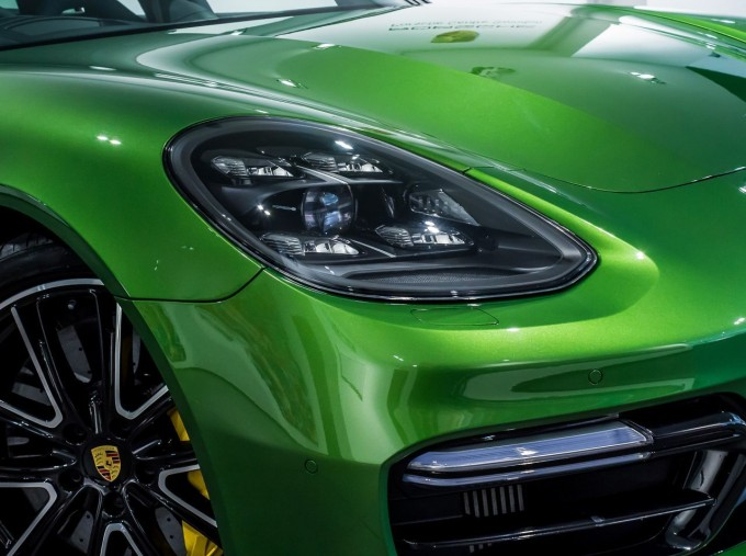 2018 Porsche V8 GTS Sport Turismo PDK 4WD 5-door (Green) - Image: 15