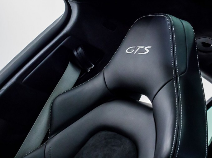 2018 Porsche V8 GTS Sport Turismo PDK 4WD 5-door (Green) - Image: 26