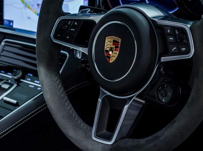 2018 Porsche V8 GTS Sport Turismo PDK 4WD 5-door (Green) - Image: 29