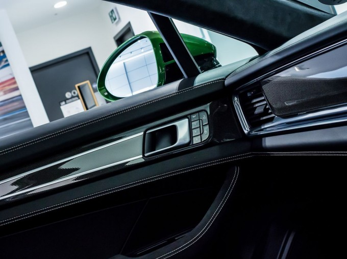 2018 Porsche V8 GTS Sport Turismo PDK 4WD 5-door (Green) - Image: 37