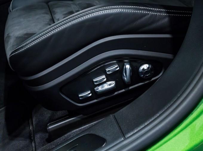 2018 Porsche V8 GTS Sport Turismo PDK 4WD 5-door (Green) - Image: 42